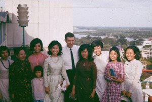 E Hanks with Vietnamese Sisters 10-30-1966